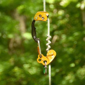 Klettergerät an einem Seil